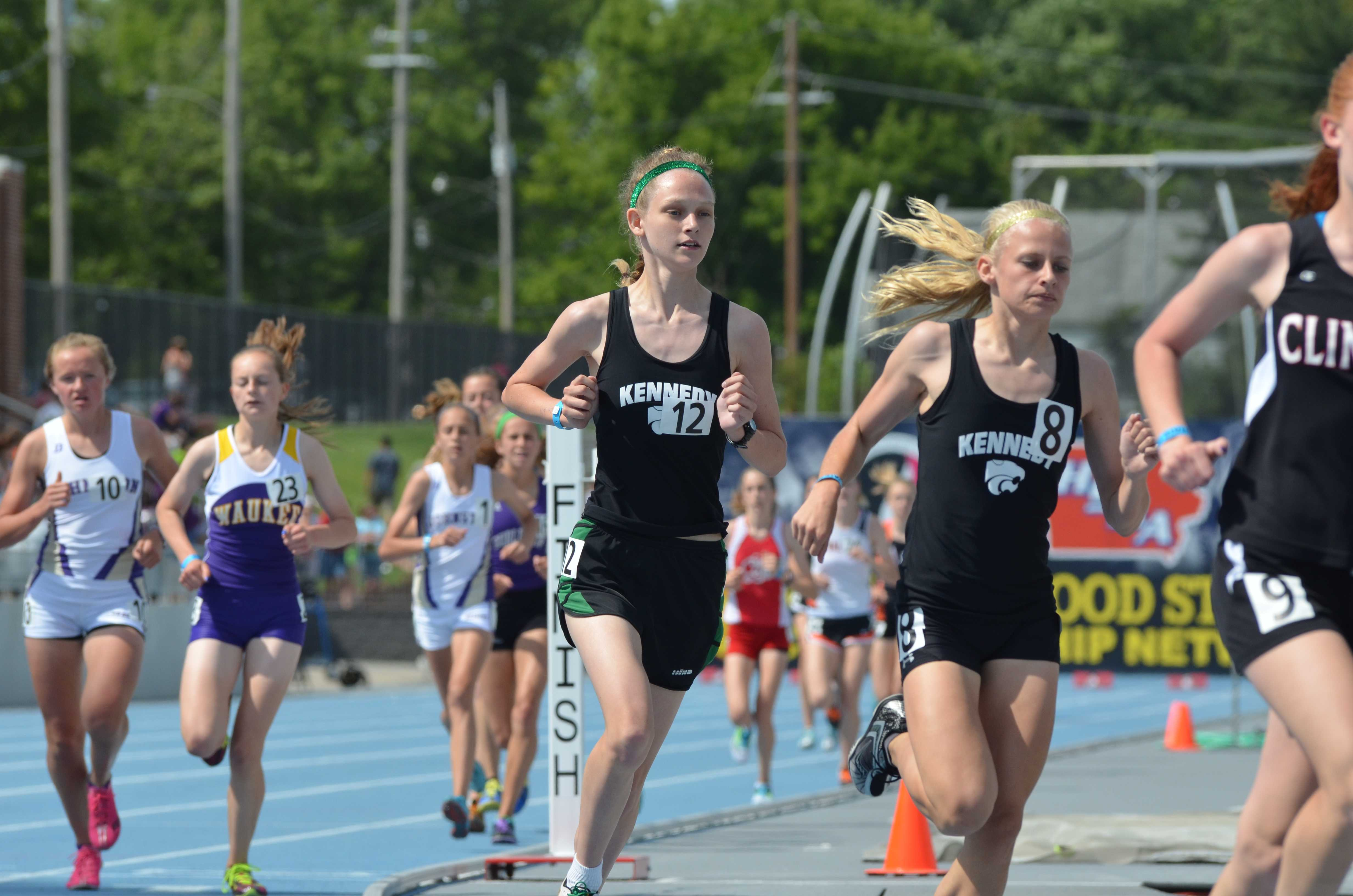 Allison Culver, so., and Alyssa Averhoff, so., run together in the 3000m.