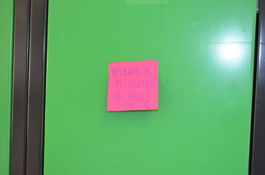 Sticky note smiles brighten students' day