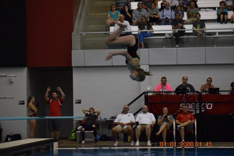 Audrey Leno, diving.