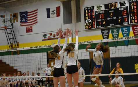 Cougars Show Off Their Claws in Volleyball