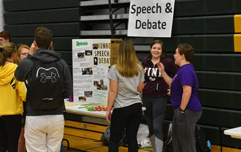 Shelby Tigges, sr., promotes Speech and Debate at the Club Fair on Monday Sept. 10. Photo by Mathew WorthingtonBarnes.