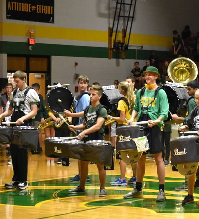 Band+students+help+hype+up+the+students+at+the+fall+pep+assembly.