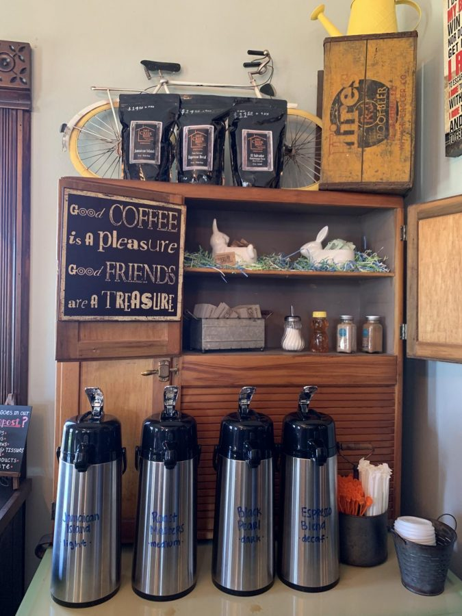 Station for black coffee at Dry Creek Brew.