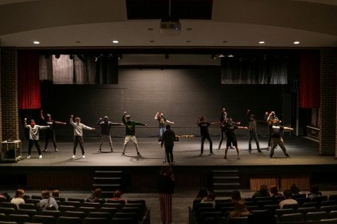 Show Choir Back Under the Spotlight