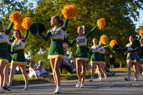 Cougars Celebrate in the Homecoming Parade