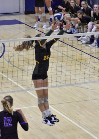 Kennedy Volleyball Advances to Regional Finals